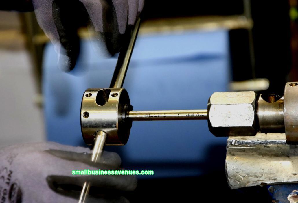 Tämä liiketoimintasuunnitelma on suunniteltu investoimaan tuotantolaitoksen luomiseen käytettyjen metallien korjaamista ja myöhempää myyntiä varten ...
