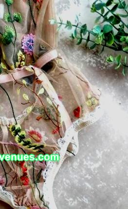 Weaving baubles, sewing plush toys, knitting mittens or soap making - any hobby can become a source of income with a competent distribution of efforts and